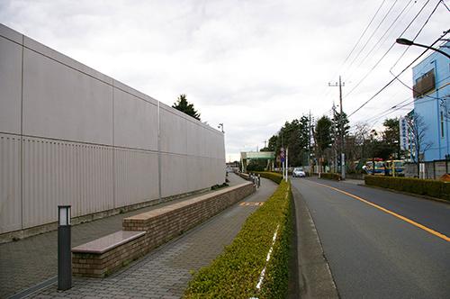 三億円事件の現場となった、東京都府中市栄町の学園通り